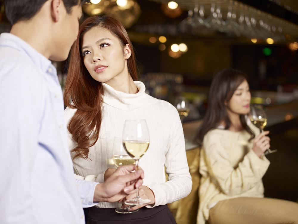 友達と婚活パーティに参加?それとも一人参加どっちがうまくいく?